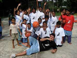 Volunteer Pierre Johannessen shares his skill and uses basketball to engage young people and tackle youth poverty in Bangladesh. Photo by Pierre Johannessen for DFAT