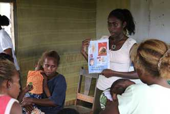 Solomon Islands women are receiving better nutrition information to promote healthier diets for themselves and their families. Photo by Jeremy Miller for AusAID