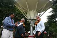 Papua New Guinea's first satellite dish will bring clearer, more reliable radio signals and improve connections to the world.