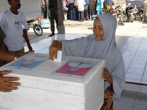 In 2006, women were active participants in the first direct elections in Aceh, Indonesia. They voted and stood for office. Photo by AusAID