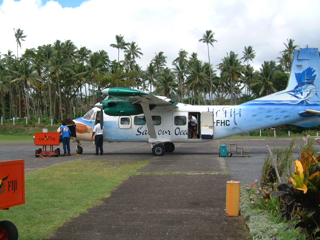 Air travel provides a vital link between the islands of Fiji, spread over 1.3 million square kilometres of the Pacific Ocean. Photo by Herman Luyken /Wikimedia http://creativecommons.org/licenses/by-sa/3.0/